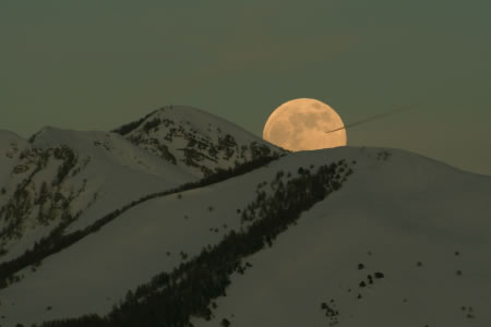 full moon rising